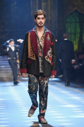 MILAN, ITALY - JANUARY 14: A model walks the runway at the Dolce & Gabbana show during Milan Men's Fashion Week Fall/Winter 2017/18 on January 14, 2017 in Milan, Italy. (Photo by Venturelli/WireImage)